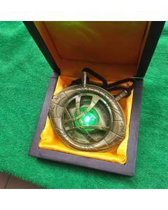 1/1 Doctor Strange necklace keyring Time Stone Eye of Agamotto with LED light