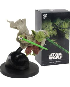 Star Wars Master Yoda Jedi Knight Fighting Version Action Figure